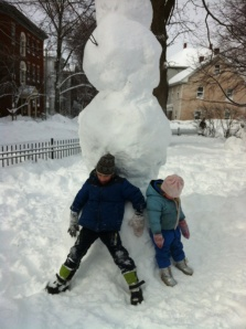 Post-nemo snowman with the kiddies -- rivals the Chrysler any day, don't you think?